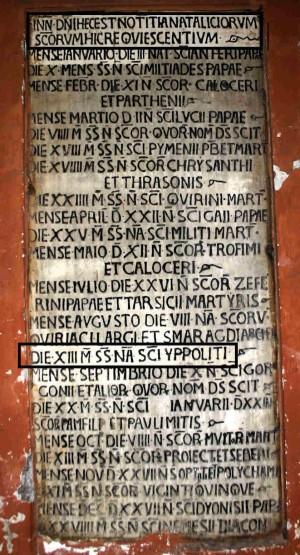 Lápida sepulcral con la mención del Santo. Basílica de San Lorenzo Fuori le Mure, Roma (Italia).