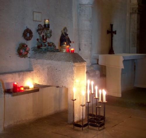 Sepulcro del santo en la cripta de la catedral de Freising (Alemania).