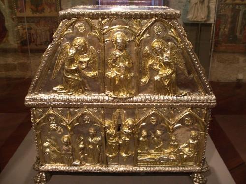 Arqueta con las reliquias del Santo. Museo diocesano de Barcelona, España.