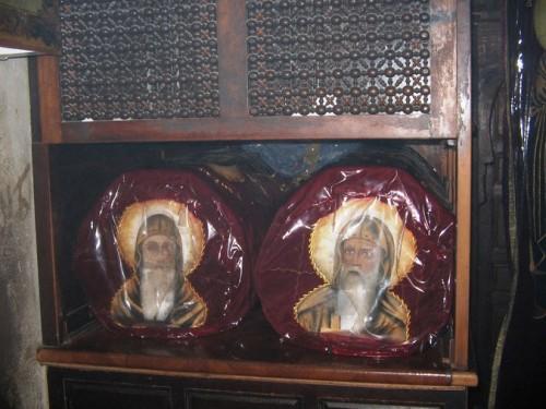 Sepulcro de los santos Moisés el Etíope e Isidoro de Scete. Monasterio al-Baramous, Egipto.