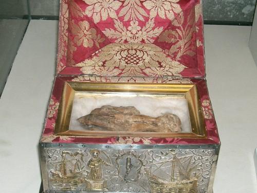 Mano derecha incorrupta de San Vicente mártir. Catedral de Lisboa, Portugal.