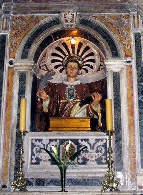 Busto-relicario de San Inocencio, diácono y mártir venerado en Gasperina, Italia.