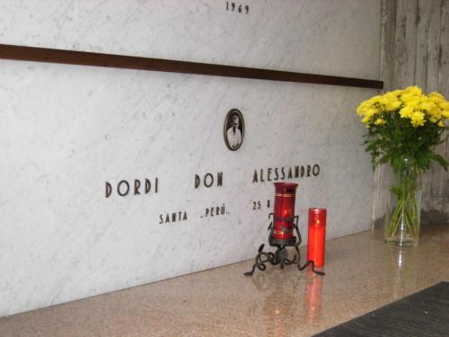Sepulcro del beato Alejandro (Sandro) Dordi en el panteón familiar del cementerio de Gromo San Marino, Bérgano (Italia).