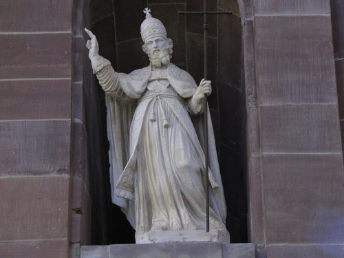Escultura del Santo en la abadía de Altfort, Francia.