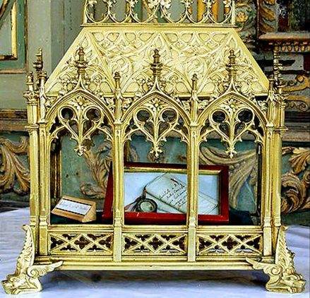 Reliquia del Santo venerada en Henvic, Francia.
