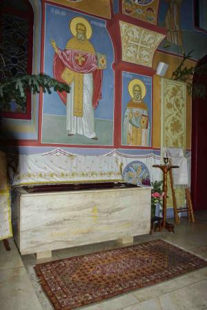 Sepulcro del Santo en Bussy, Francia.