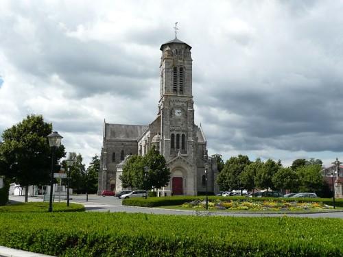 Imagen actual de la iglesia de Lucs-sur-Boulogne.