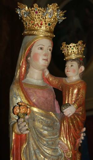 Detalle del busto de la Virgen del Castillo, Corbera, Valencia (España).