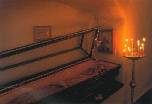 Reliquias de San Vladimir Bogoyavlensky. Monasterio de las Lauras de las Grutas de Kiev, Ucrania.