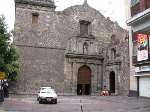 El templo y hospital de Jesús Nazareno y la Limpia Concepción de María en el cual ofreció sus servicios el Venerable después de su conversión.