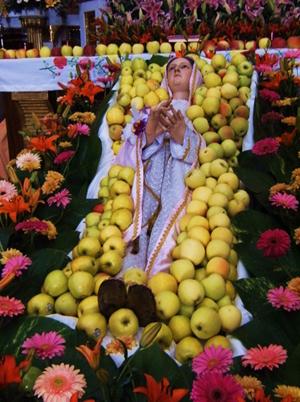 Imagen de la Virgen en la Solemnidad de la Asunción. Parroquia del Sagrario Metropolitano (Templo de la Soledad). Puebla de los Ángeles, México.