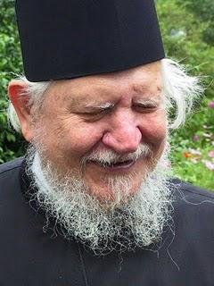 Fotografía del Padre Teofil Paraian.