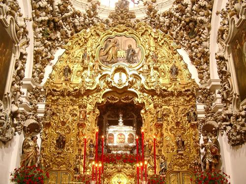 Altar con las reliquias de los santos mártires de Córdoba, España.