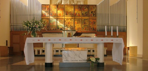 Vista del altar mayor del templo. Fotografía: Felice Stasio.