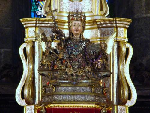Busto-relicario procesional de la Santa que se venera en su catedral de Catania, Sicilia (Italia).