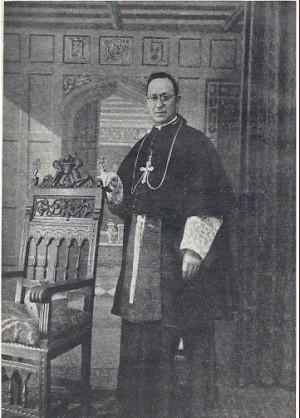 Fotografía del Beato en su atuendo de obispo.