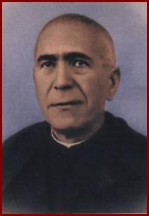 Fotografía coloreada del Beato en su hábito de sacerdote.