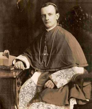 Ob. Fco Orozco y Jiménez (Recopilación de fotos Diac. Francesco Lay). Fotografía de sus primeros días como obispo.