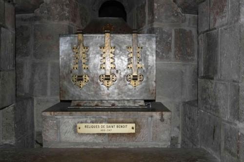 Urna con las reliquias francesas de San Benito, en la Abadía de Saint-Benoit-Sur-Loire, Fleury.