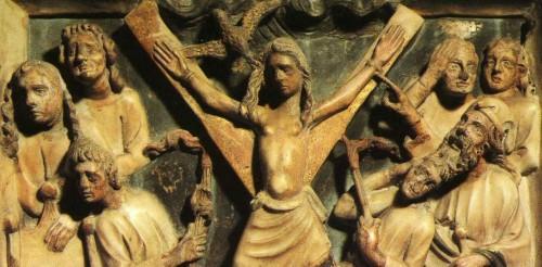 Santa Eulalia torturada en el ecúleo. Detalle del relieve de su sarcófago. Cripta de la catedral de la Santa Cruz y Santa Eulalia, Barcelona (España).