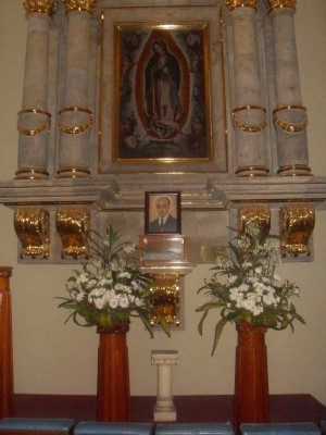 Vista del relicario del Beato Luis Padilla. Capilla de Nuestra Señora de Guadalupe, en la Parroquia de San José de Analco, México.