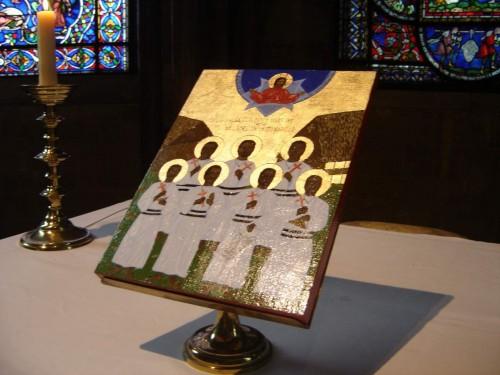 Vista del icono de los mártires anglicanos de Melanesia, exhibido en la catedral de Canterbury (Reino Unido).
