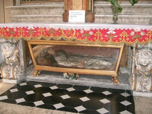 Urna con la figura de cera que guarda los restos de Santa Cándida, mártir de las catacumbas. Iglesia de Santa Maria dei Miracoli, Roma (Italia).