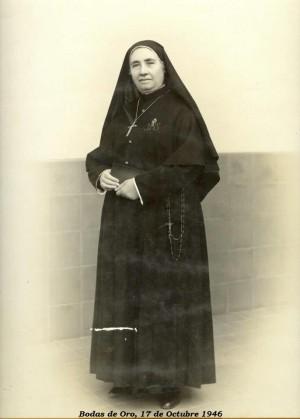 La Santa, fotografiada el día de sus Bodas de Oro (17 de octubre de 1946).