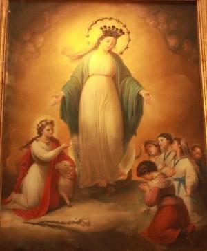 Santa Inés presenta a las Hijas de María a la Inmaculada Concepción. Lienzo de Amelia De Angelis (1867). Capilla de la Pía Unión Primaria de las Hijas de María, Basílica de Sant'Agnese Fuori le Mura, Roma (Italia). Fotografía: Alvaro De Alvariis.