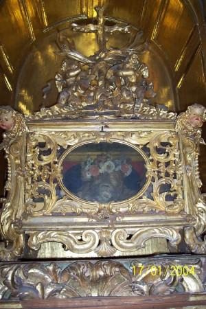Vista de la urna que guarda los restos de San Julián, mártir de las catacumbas. Catedral de Badajoz, España.