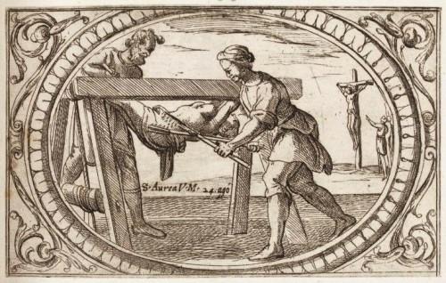 La Santa, torturada y desgarrada en el potro, y después crucificada (??). Grabado de Antonio Tempesta. Istituto Nazionale dell'Arte Grafica, Roma (Italia).