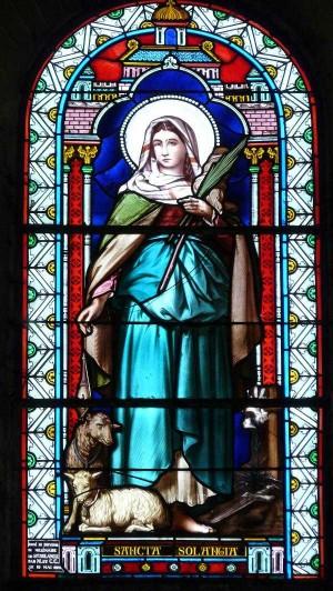 Vidriera de la Santa. Iglesia de Nôtre-Dame, Mehun-sur-Yevre, Francia. Fotografía: Nhuân DôDuc.
