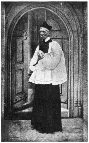 El Beato fotografiado cuando era sacerdote anglicano.