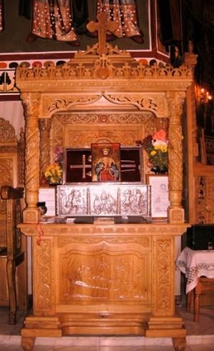 Urna con las reliquias del Santo veneradas en Drumul Taberei, Rumanía.