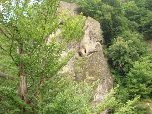 Vista de la cueva ddonde vivió San Juanucio el Nuevo de Muscel.