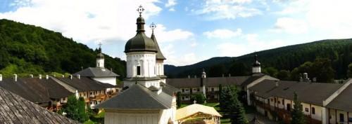 Vista del monasterio Secu (Rumanía) donde reposa el Santo.
