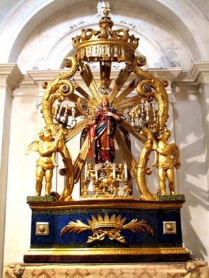 Espectacular anda procesional de Santa Corona en Canepina (Italia).