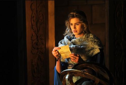 La actriz y modelo italoamericana Vanessa Hessler interpreta a la Santa en esta película de Rai Fiction.