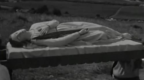 Vista de la imagen yacente de la Santa (s.XIX) que era sacada en procesión en los años 50 en Tipasa (Argelia).