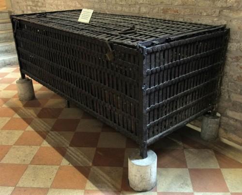 Dentro de esta caja fue transportada la caja de plomo con las reliquias desde Tebas hasta Padua.