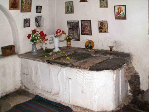 Antigua tumba del santo en el monasterio de Rila.
