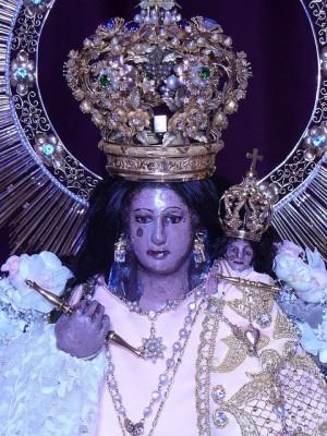 Detalle del rostro de Nuestra Señora del Rosario de Talpa, México.