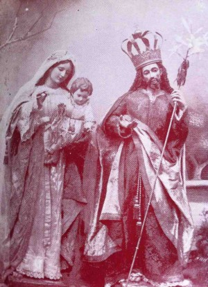 Imágenes de San José y la Virgen del Rosario veneradas en Zapotlán, México. Fotografía de 1909.