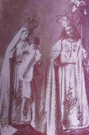 Antigua fotografía de las imágenes de San José y la Virgen del Rosario veneradas en Zapotlán (México).