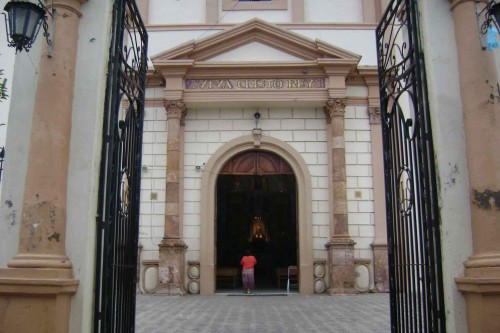 Letrero a la entrada de la parroquia de La Unión de Tula (México) que el Santo deseaba poner.