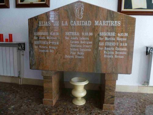 Sepulcro de las Hijas de la Caridad mártires en Valencia. Capilla de la Casa Hogar de San Eugenio, Valencia (España).