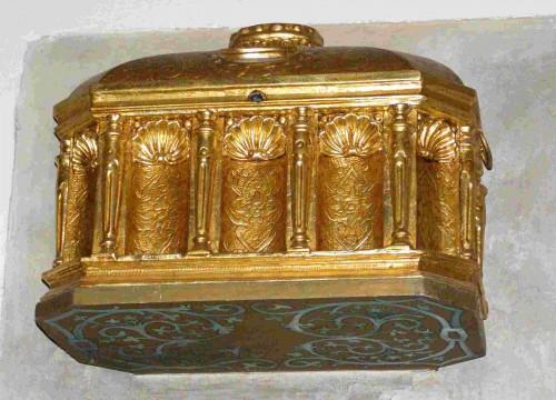 Urna-relicario de los Santos en Kazimierz, Polonia.