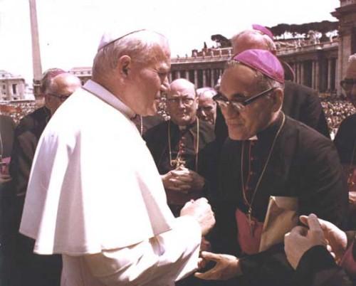El Siervo de Dios en audiencia con el papa San Juan Pablo II.