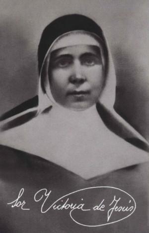 Fotografía y firma de la Beata Victoria de Jesús.