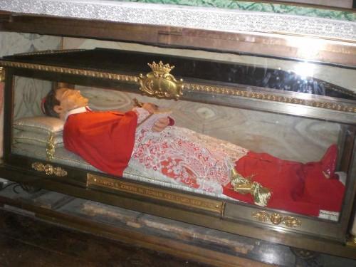 Vista de la figura de cera que contiene las reliquias del Santo. Iglesia de Sant'Andrea Della Valle, Roma (Italia).